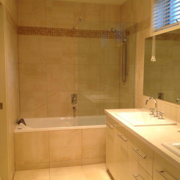 Auldys-Port-Fairy-Bathroom
